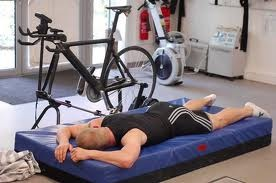 Chris Hoy. Indoors. Hurting.