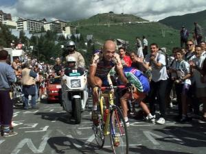 Marco-pantani-alpe-d-huez-1997